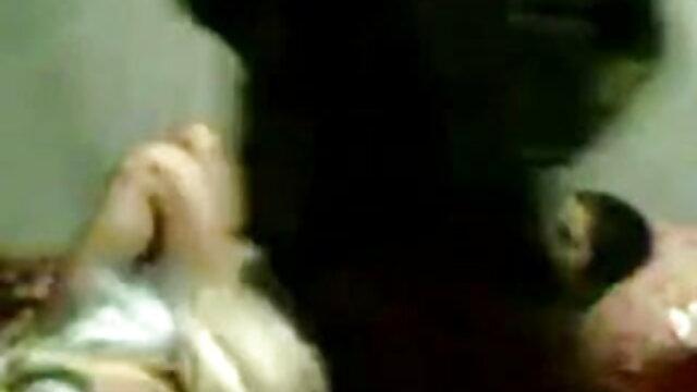 گھریلو توجہ ادا کرنے کے لئے کس دانلود کلیپ سکس زوری ایرانی طرح ماں کوڑا ایک دوست کے ساتھ