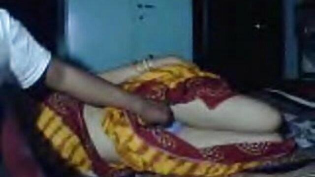 آخر دانلود سکس های ایرانی میں مہمانوں جبکہ بہن سوتا ہے اگلے بستر