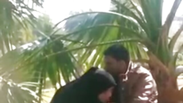 ڈیانا سکس ایرانی با خارجی گڑیا پڑے گا کے ساتھ جنسی Seducer irresistible ہے