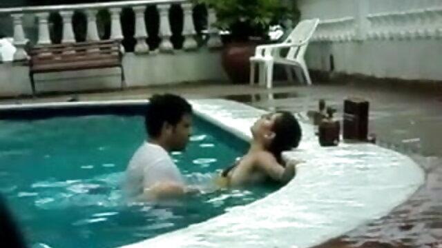 مالک کے ساتھ فیلم سوپرخارجی ایرانی جنسی نوکرانی ہوشیار Angelica سیاہ