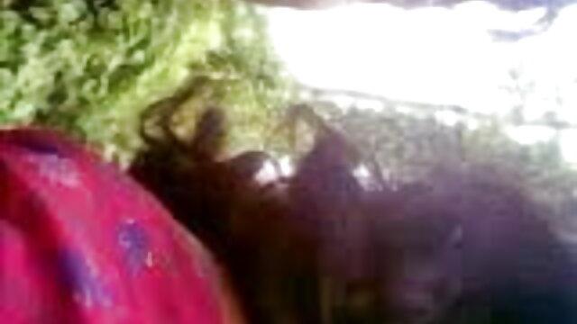 کے ساتھ اتفاق کرتا ہوں چھوٹے بچے سے لطف فیلم سکس با مادر ایرانی اندوز اور اس کے جسم کے جنگل میں