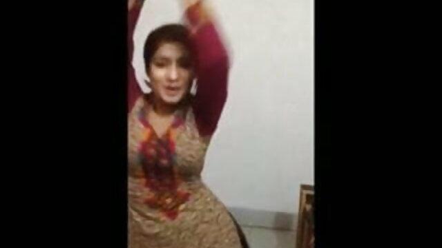 لڑکی intan کی جانچ مصنوعی اندام نہانی پر اس سکسی ایرانی جدی کے پریمی